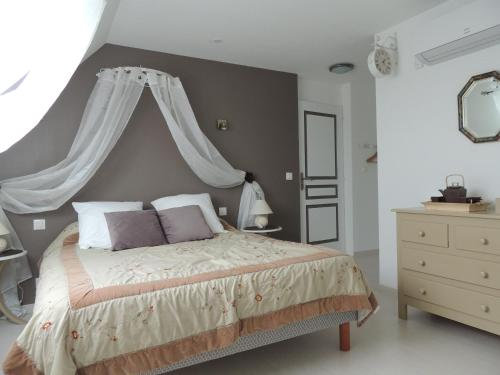 chez natty chambre d 39 h tes 8 rue ernest renan 72000 le. Black Bedroom Furniture Sets. Home Design Ideas