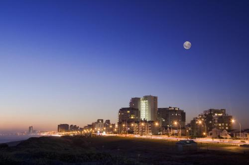 Cape Town Beachfront Accommodation in Blouberg (B&B)