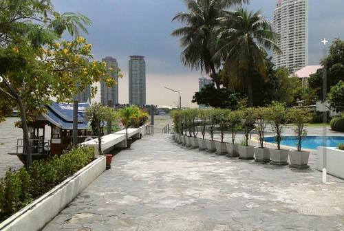 Baan Sathorn Riverfront photo 32