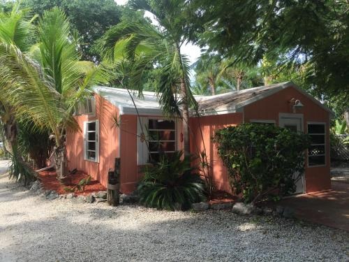 The Pelican Key Largo Cottages In Fl
