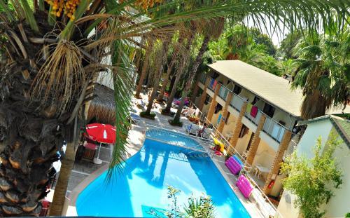 Side Tropic Hotel