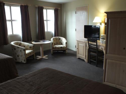Hotel & Condos Stoneham