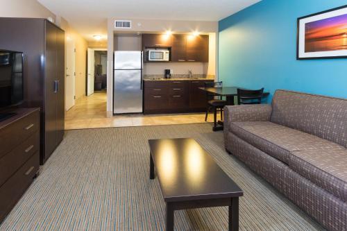 Holiday Inn Resort Daytona Beach Oceanfront - Daytona Beach, FL 32118