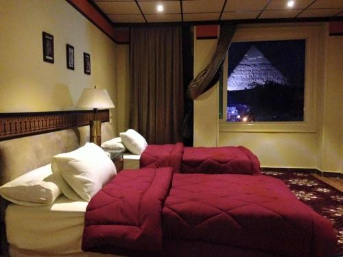 Great Pyramid Inn - image 5