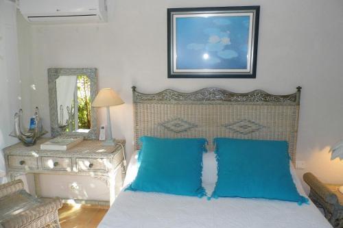 Villa helios chambre d 39 h tes 91 all e du titan 83240 - Chambres d hotes cavalaire ...