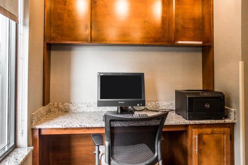 Comfort Suites Hartville - Hartville, OH 44632