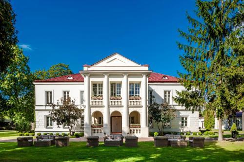 . Pałac Zegrzyński