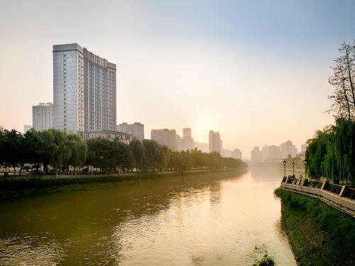15 Binjiang Middle Road, Chengdu, 610016, China.