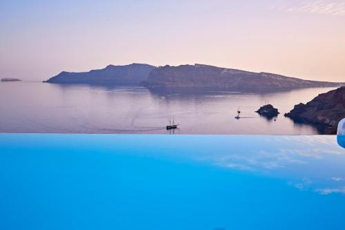 Oia, Santorinia 84702,  Cyclades Islands Greece.