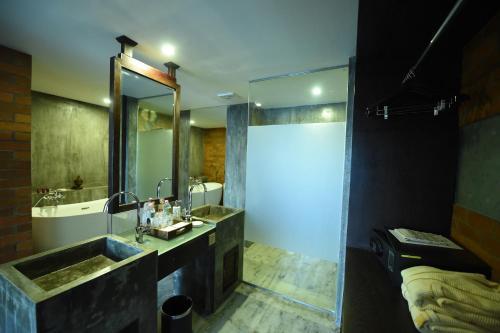 Rose Garden Hotel Prices, photos, reviews, address  Myanmar
