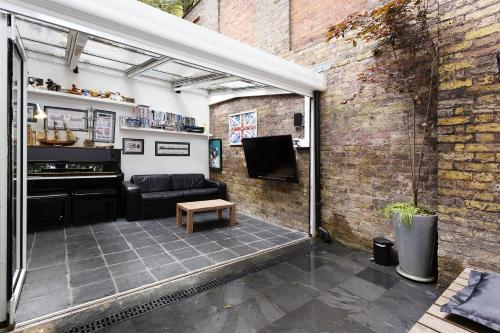 Veeve - Four Bedroom House in Kensington a London