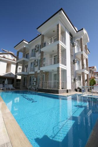 . Stella Classic Apartments