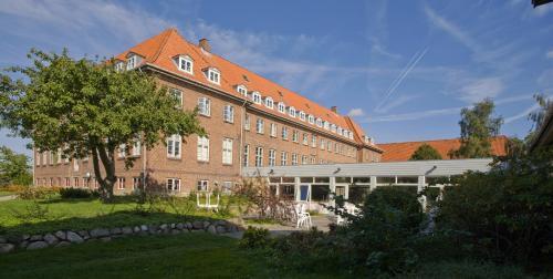 . Emmaus Hostel