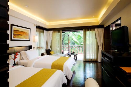 Premier Double Room with Round Trip Airport Transfer