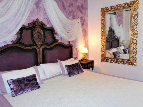 Habitación Doble con cama supletoria  Hotel Boutique Nueve Leyendas 42