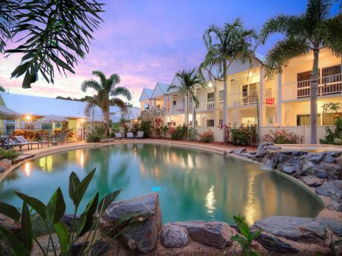 . TiTree Resort Apartments