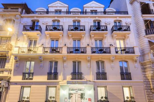 58 Rue Hérold, 06000 Nice, France.