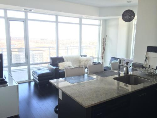 Square One Fully Furnished Suite