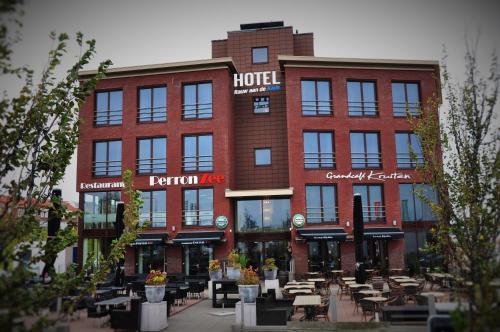 . Hotel Rauw aan de Kade