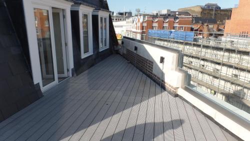 LCS Exeter Street Apartments Пентхаус-апартаменты с 3 спальнями