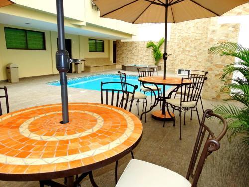 Hotel Marvento Suites
