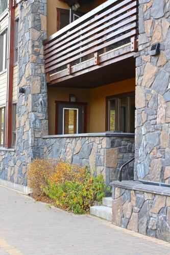 Luxury Canmore Vacations - Canmore, AB T1W 0G8