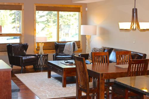 . Luxury Canmore Vacations