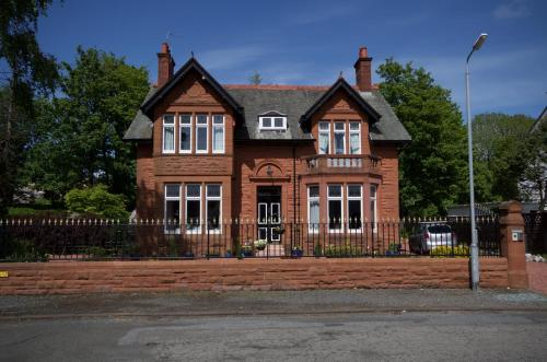 Muirholm Bed And Breakfast