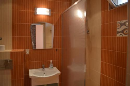 Deluxe - Kahden hengen huone - Twin/Double - Oma parveke (Deluxe Double or Twin Room with Balcony)
