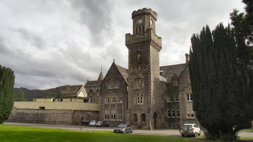 . Old School Apartment Highland Club