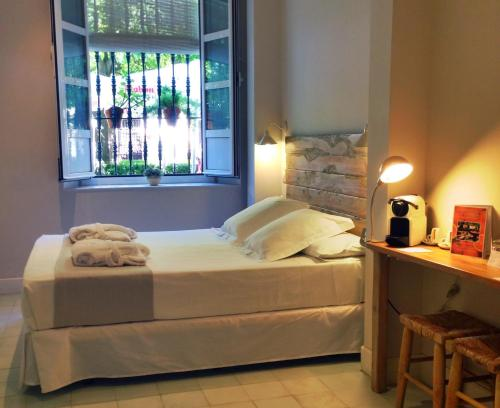 Double Room - Ground Floor - single occupancy Hotel Boutique Elvira Plaza 1