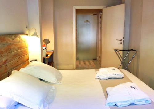 Double Room - Ground Floor Hotel Boutique Elvira Plaza 9