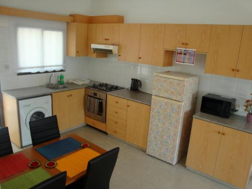 Miris Mediterraneo Apartments - Photo 3 of 25