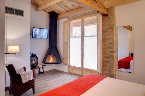 Habitación Doble Deluxe con chimenea - 1 o 2 camas Hotel La Freixera 2