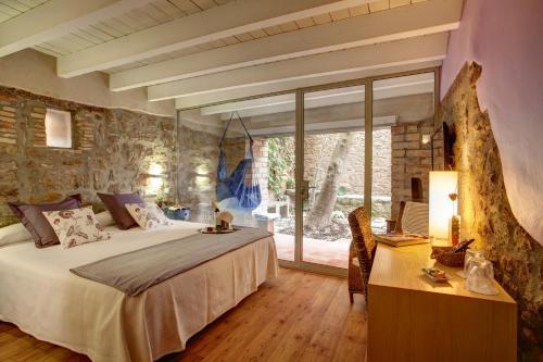 Habitación Doble Deluxe con jardín privado Hotel La Freixera 10