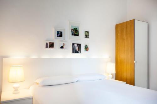 Ramblas Apartments salas fotos