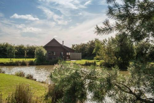 Willow Lodges - Photo 6 of 27
