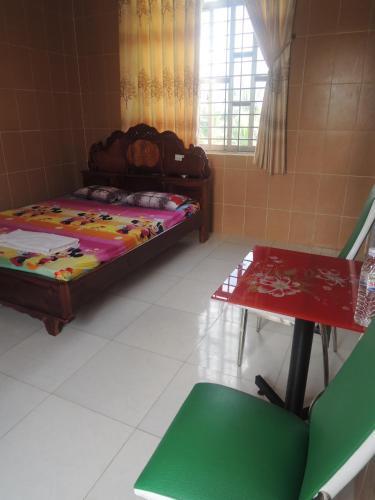 Huynh Tho Hotel, Bình Đại