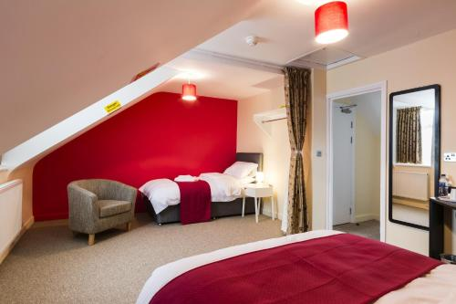 The Station Hotel picture 1 of 23
