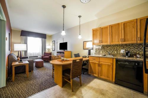 . MainStay Suites Medical Center