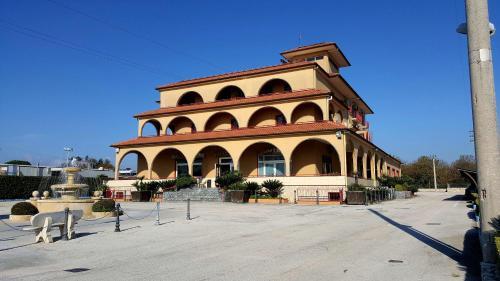 . Hotel Ristorante Re Di Cuori
