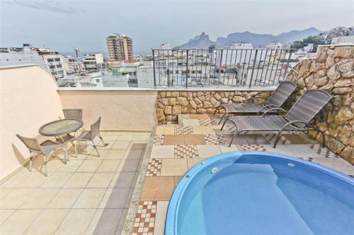 . Penthouse duplex with Private Pool and View in Copacabana