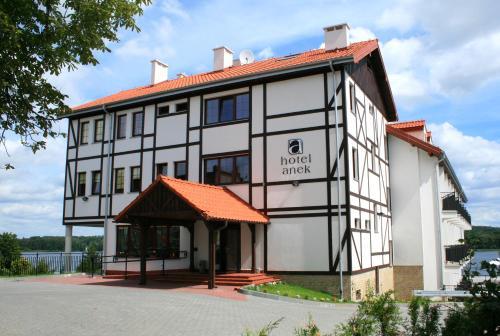 . Hotel Anek