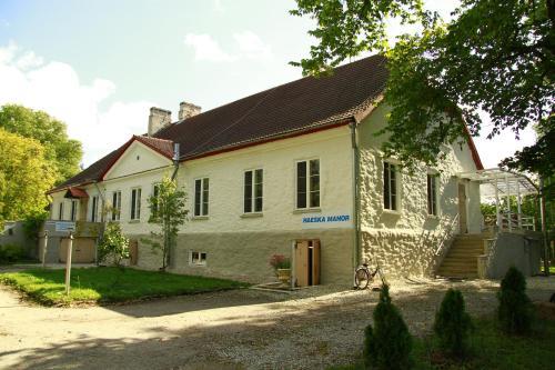 . Haeska Manor