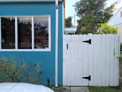 Handy Studio - Miami, FL 33134