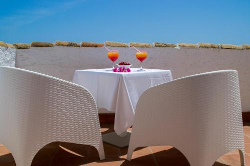 Double or Twin Room with Private Terrace and Sea View Hotel La Fonda 53