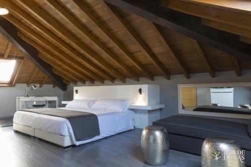 Suite Deluxe con cama extragrande Lar de Donas 2
