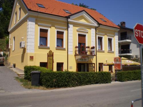 . Apartments Petar Pan