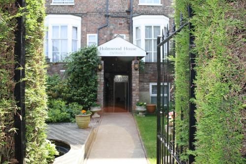 Holmwood House Guest Accommodation (B&B)