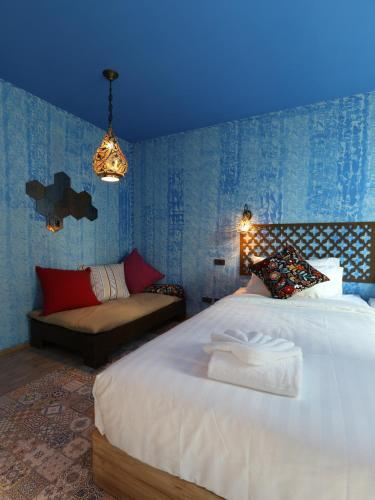 Tints of Blue Hotel photo 15